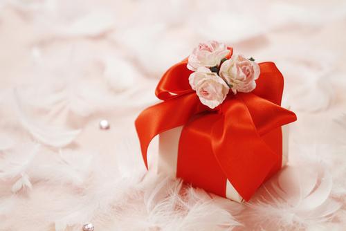 ママ友に喜ばれる!!お友達の子どもへ送る素敵なファーストバースデーのプレゼントをご紹介!!のタイトル画像