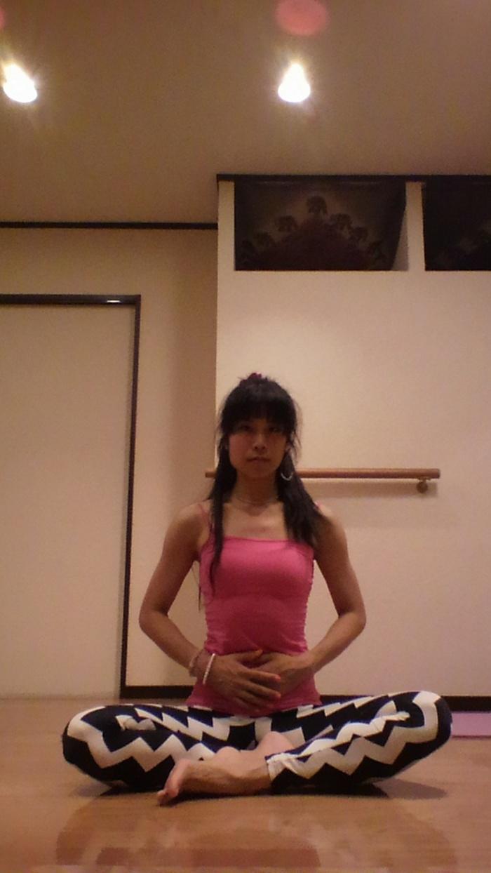 産後ダイエットにも!代謝を上げる、引き締める、胸式呼吸法の画像1