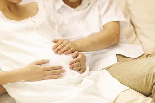 妊婦健診、パパと一緒に受けてみませんか?のタイトル画像