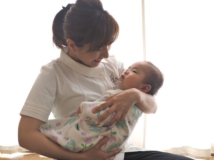 赤ちゃんだけじゃない!ママもハッピーになるベビーマッサージの効果とは?の画像2