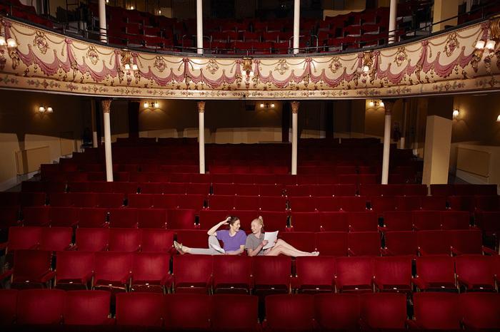劇団四季の親子観劇室で、子どもと一緒にミュージカルデビュー!の画像2