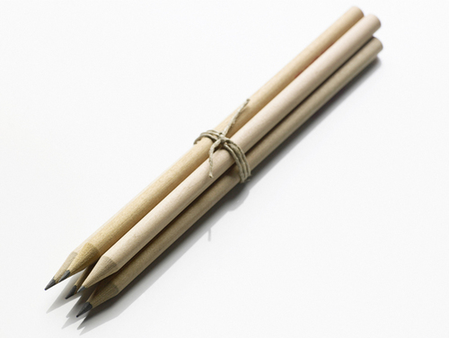 簡単、びっくり!消しゴムで消すのが大変な鉛筆汚れの落とし方のタイトル画像