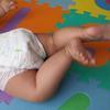これでもう安心!赤ちゃんのうんち漏れを防ぐ方法のタイトル画像