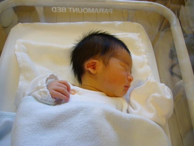 新生児の育児~授乳を楽しい時間にするためのアイデア~の画像1