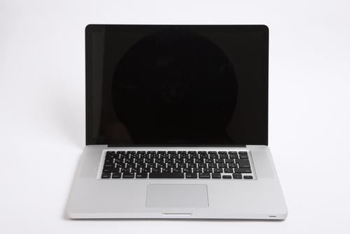 子どもの写真を保存しているノートパソコンの寿命は!?のタイトル画像