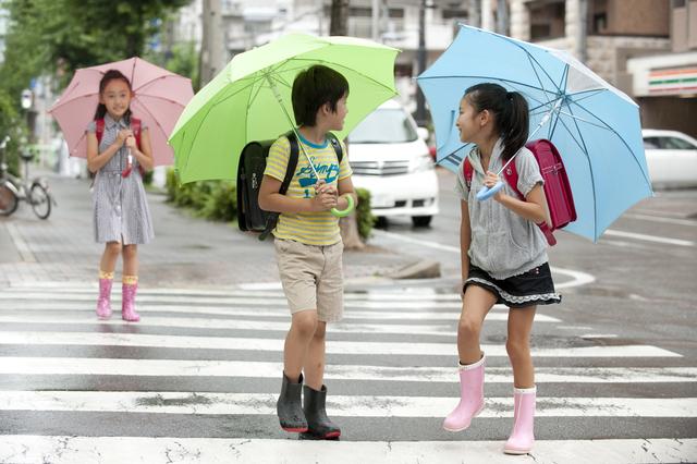 雨の日こそポジティブに過ごそう!雨の日の過ごし方で子どものレジリエンスを育む方法の画像1