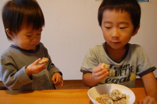 おやつは第4の食事!健康的で子どもが満足できるおやつとは?のタイトル画像