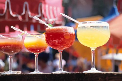 ママだってたまにはお酒を飲みたい!自分へのご褒美に昼飲みのススメのタイトル画像