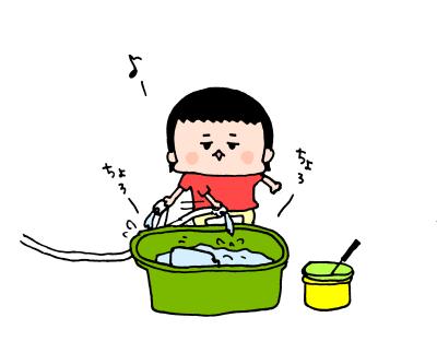 夏真っ盛り!2歳になる我が子、おうち水遊びは「○○型」!? ハナペコ絵日記<15>の画像2