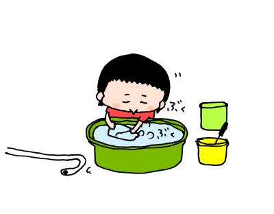 夏真っ盛り!2歳になる我が子、おうち水遊びは「○○型」!? ハナペコ絵日記<15>の画像3