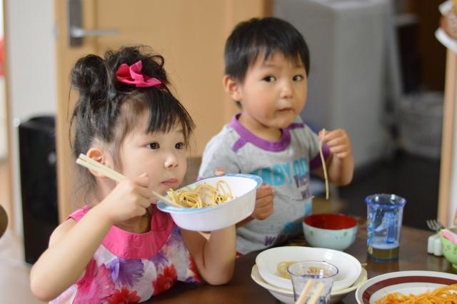 子どもの肥満や食べ過ぎに悩んだら!子どもの食生活を見直す3つのヒントの画像1