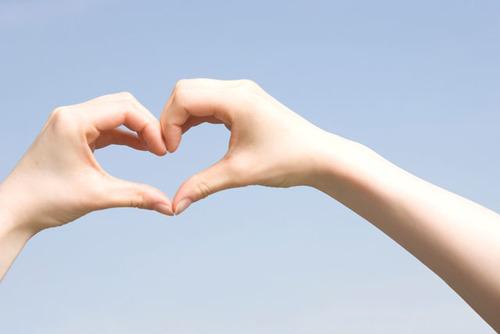 子どもに愛が伝わっていますか?子どもに愛が伝わる5つの方法♪のタイトル画像