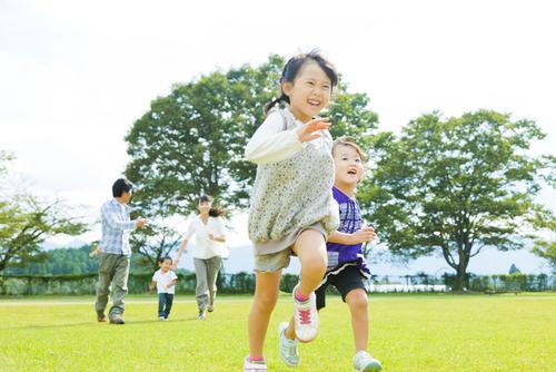 幼児期の運動は大切ってほんと?運動が子どもの心と体にもたらす効果のタイトル画像