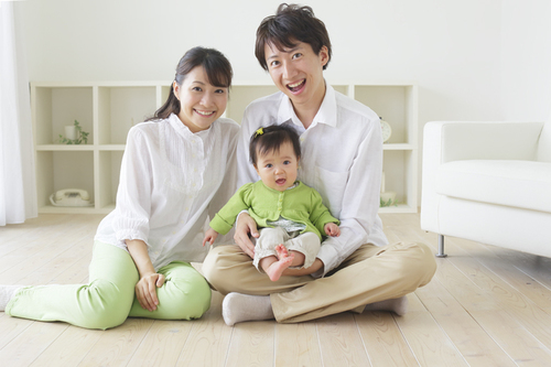 産後1週間、妻の突然の不正出血で赤ちゃんと2人きりに!パパの育児分担は家族のリスク管理のタイトル画像