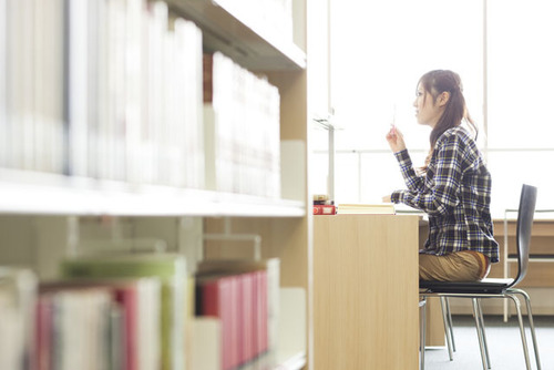 子どもの「居場所の選択肢」を増やそう〜話題の鎌倉市図書館のツイートから大人の役割を考える〜のタイトル画像