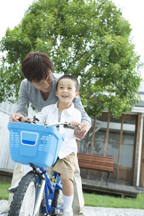 「段階を踏んで着実に」がポイント!補助輪なしの自転車に早く乗れるようになる方法の画像1