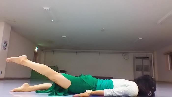 子どもの抱っこで背中が痛い・・・そんな時にすぐできる、背中の痛みを解消するストレッチとは?の画像6