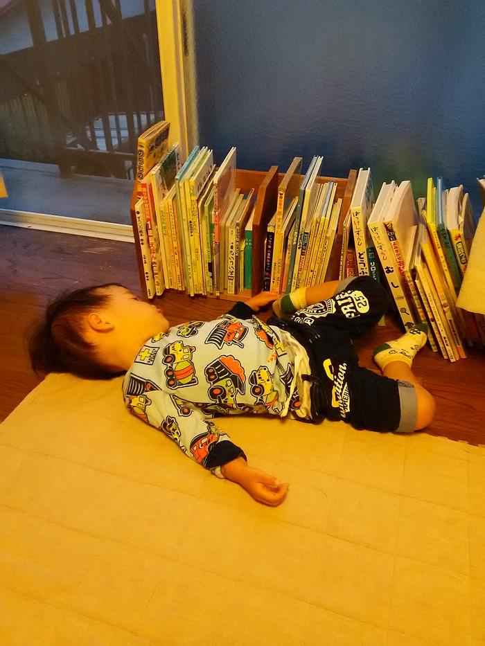 魔の2歳児のイヤイヤ期!ママのイライラを笑いに変える「イヤコレ」とは?の画像1