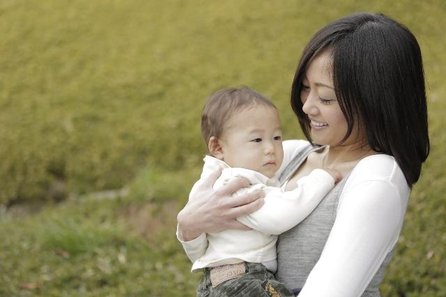 発言小町で話題!「子育てを終えた今、街で幼子を見ると涙がでます。」の画像1