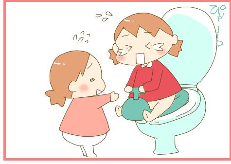 トイレにおもちゃを入れちゃう?!まだまだ続く双子のトイレトレーニングの画像1