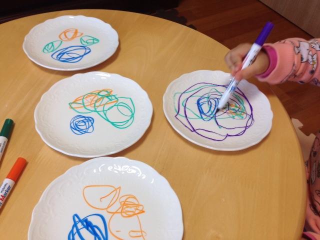 お皿がキャンパス!手描きのお皿が作れる「らくやきマーカー」が可愛すぎる!の画像2