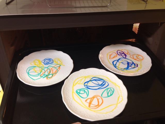 お皿がキャンパス!手描きのお皿が作れる「らくやきマーカー」が可愛すぎる!の画像3