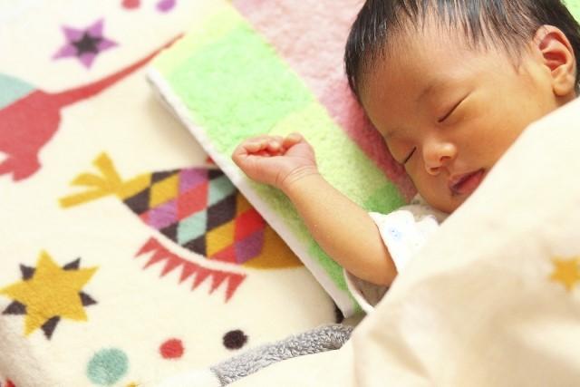 産まれてすぐの赤ちゃんは、夜中のほうが母乳が出ることを知っている?の画像1