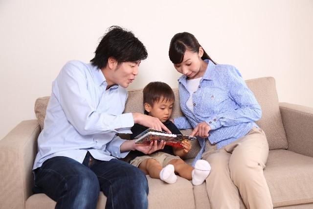 子どもが絵本の上でスワイプ?!スマホやTVが子どもに与える影響の画像2