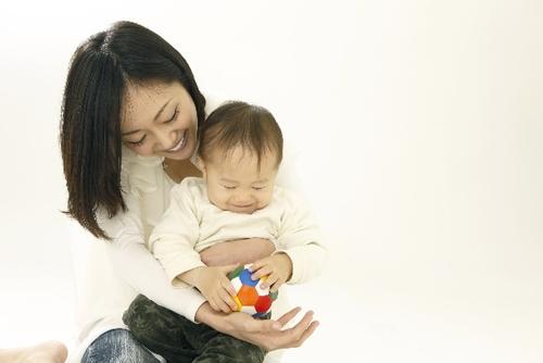 産後に感じる無気力感や絶望感…「産後うつ」は他人ごとではない。その原因は?のタイトル画像