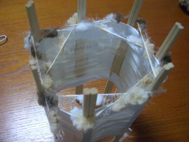 とっても簡単!ペットボトルでリリアン編みマフラーを作ろうの画像3