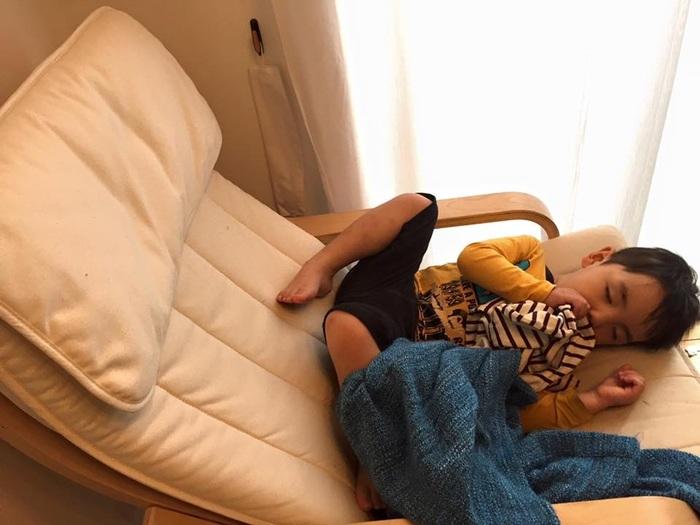 お気に入りのタオルや毛布への執着、無理にやめさせないで!わが子の「自立の第一歩」を見守ってあげようの画像1