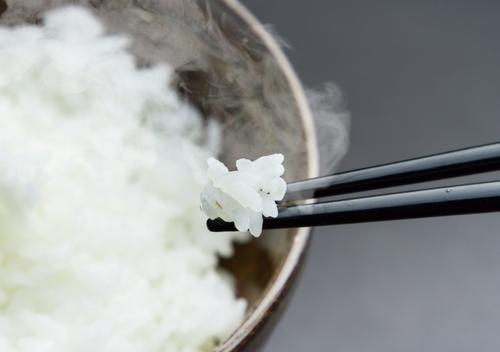 夕飯にご飯、何合炊く?鈴木おさむさんの問いかけに集まった答えは・・・!?のタイトル画像