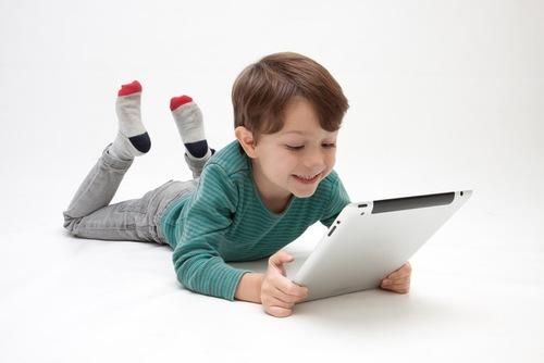 子どもにとってゲームは毒なの?幼少期にTVを禁止された子どもの今のタイトル画像