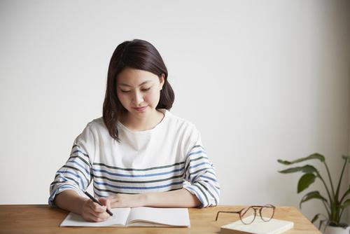 【授乳期】育児日記の書き方・ノートの選び方のタイトル画像