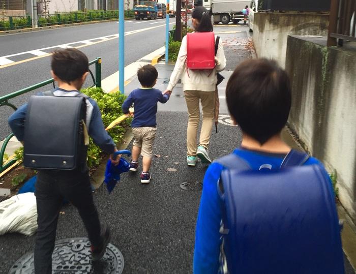 親の転勤による引っ越し。転園や転校先に我が子は馴染める?の画像1