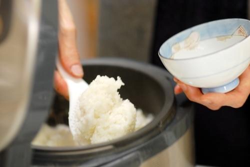 もう試した?古いお米をおいしく炊くために、誰でもできる「裏技」5つのタイトル画像