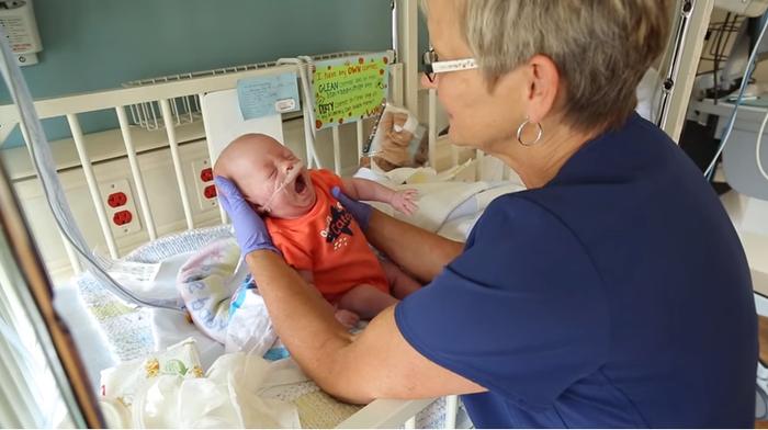 「あなたのおかげで、我が子に会えた」NICUの看護師に贈られたサプライズに涙の画像1