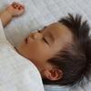 息子の寝かしつけがラクになった!裏技は、スマホの○○機能にあり!!のタイトル画像