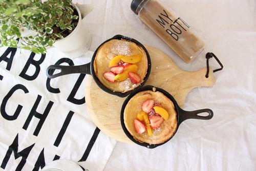 パンケーキの新定番!外はカリカリ、中はふんわり…スキレットで作る話題のレシピ♡のタイトル画像