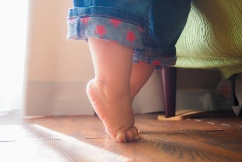 """「うちの子早くたっちしないかな‥」実は""""ゆっくり""""が育む発達もあるんです。のタイトル画像"""