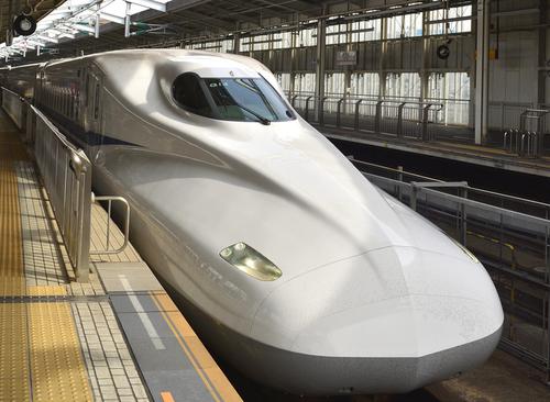 【保存版】子連れで新幹線旅行!何歳から乗れる?持ち物や楽しむコツは?のタイトル画像