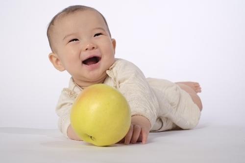 実はけっこういい加減!?お腹の中にいる赤ちゃんの推定体重って、どうやってはかってるの?のタイトル画像