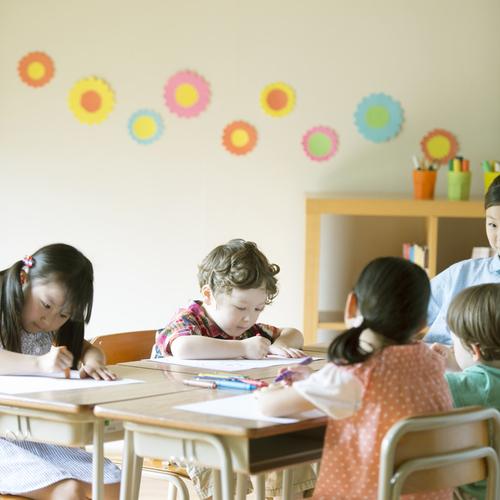 幼稚園と保育園は何が違うの?それぞれの特徴と選び方をご紹介のタイトル画像