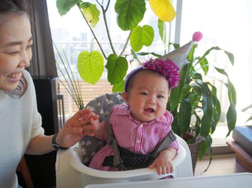 新生児から10歳まで使えるおしゃれなハイチェアで、子どもの成長を記録しよう♡のタイトル画像