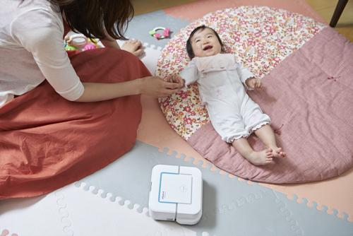 365日ピカピカの床で家族がハッピーに! ママたちが語る「床拭き」の魅力のタイトル画像