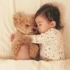 ママがこっそり覗いた、1歳女子とワンコの激カワな毎日♡のタイトル画像