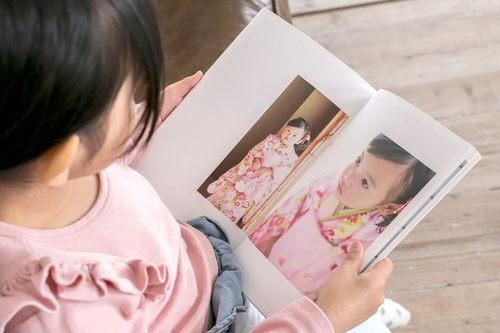 最高の笑顔をこの先も。七五三の思い出を残すなら「写真が語り出すフォトブック」!?のタイトル画像