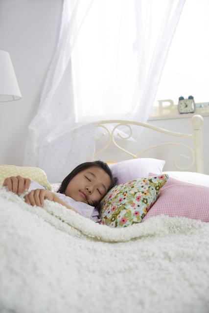 """「寝起きの悪さ」と格闘して3年…。私が気づいた、ムスメが""""起きられない""""理由のタイトル画像"""