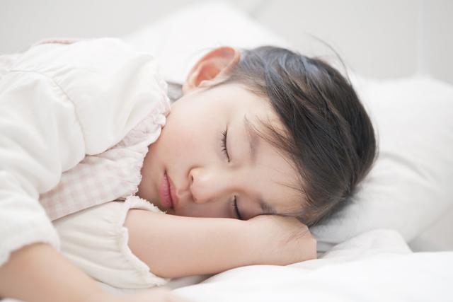 """「寝起きの悪さ」と格闘して3年…。私が気づいた、ムスメが""""起きられない""""理由の画像1"""